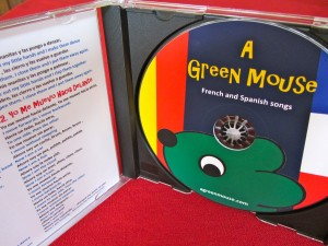 A Green Mouse French & Spanish songs for children